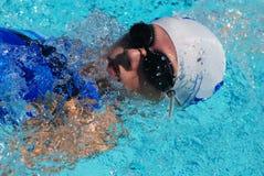 pływak płynąć na plecach Fotografia Royalty Free