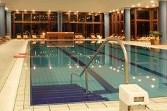 pływanie wyłącznego basenu Obrazy Stock