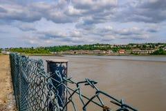 Pływowa rzeka i ujście widzieć w Kent, pokazuje rzekę przy niskim przypływem zdjęcie royalty free