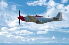 P-51 sur le bleu Photo stock