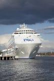 P & van O cruse schip dat in de verticaal van Brisbane wordt gedokt Royalty-vrije Stock Afbeeldingen