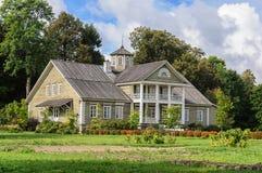 P A Casa de Gannibal na vila de Petrovskoye, reserva de Pushkin imagem de stock royalty free