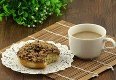 Pączek i kawa Obrazy Royalty Free