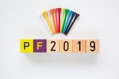 P f 2019 - uma inscrição dos blocos de madeira das crianças Foto de Stock