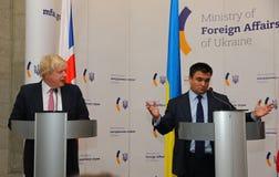 P Klimkin, B Johnson e W Conferenza stampa di Waszczykowski in Kie immagini stock