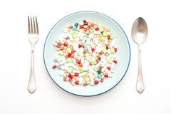 p?ldoras, drogas, farmacia, medicina o m?dico en la placa imágenes de archivo libres de regalías