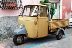 P 501 małpy samochód jest trójkołowym lekkim handlowym pojazdem Zdjęcia Stock