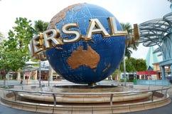Płodozmienna kuli ziemskiej fontanna w universal studio przy Singapur Obraz Stock
