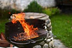 płomienny grill Obrazy Royalty Free