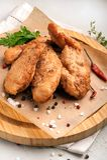 P?pites de poulet images stock