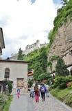 På Sts Peter kyrkogård i Salzburg Royaltyfria Bilder