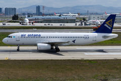 P4-VAS Air Astana, Luchtbus A320-232 royalty-vrije stock afbeelding