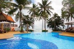Pływacki basen blisko morza, wyspa Koh Samui, Tajlandia Fotografia Stock