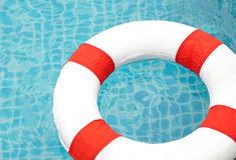 Pływacki basen i ratownik, Ringowy basen Zdjęcia Royalty Free