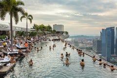 Pływacki basen Marina zatoki piaski hotelowi w Singapur Fotografia Royalty Free