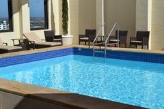 Pływacki basen na dachu fotografia royalty free