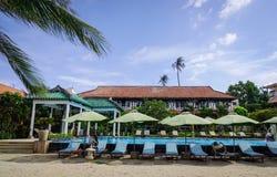 Pływacki basen przy nadmorski hotelem w Wietnam Zdjęcie Royalty Free