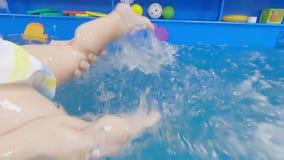 P?ywackie lekcje w basenie zbiory wideo
