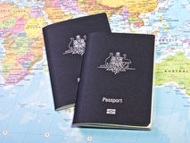 Paß für Weltreise lizenzfreies stockfoto