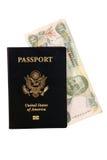 Paß mit bahamischem Geld Lizenzfreies Stockfoto