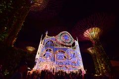 País das maravilhas do Natal no jardim pela baía, Singapura imagens de stock