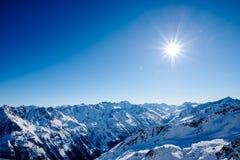 País das maravilhas e céu do inverno Fotografia de Stock Royalty Free