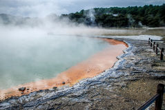 País das maravilhas térmico de Waiotapu, Nova Zelândia norte fotografia de stock royalty free