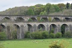 País de Gales, el valle de Ceiriog en Chirk en la frontera de Inglaterra-País de Gales Un sitio de la UNESCO El acueducto y el vi imagen de archivo