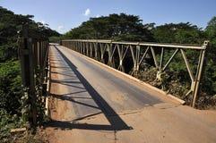 País del camino de la manera del puente del hierro al aire libre Imágenes de archivo libres de regalías