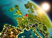 Países Baixos do espaço durante o nascer do sol ilustração stock