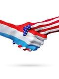 Países das bandeiras Luxemburgo e do Estados Unidos, aperto de mão overprinted Imagem de Stock