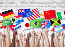 Países diferentes unidos con sus banderas aumentadas Foto de archivo libre de regalías