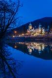 Pałac hotel przy nocą Obrazy Royalty Free