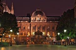 Pałac sprawiedliwość nocą w Paryż, HDR - Fotografia Stock
