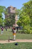 pałkarza tłumu Delhi ind saluty Niedziela obrazy stock