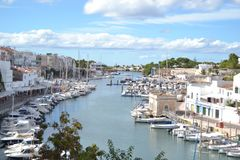 Październik 2017, Ciutadella, Minorca Słoneczny dzień w jeden Balearic wyspy Zdjęcie Royalty Free