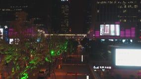 15 Październik, 2018 Suzhou miasto, Chiny Sceniczny widok z lotu ptaka nowożytna dzielnica miasta przy nocą z noc ruchem drogowym zbiory