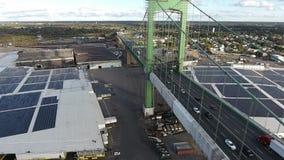 PA aéreo de Walt Whitman Bridge NJ da metragem video estoque