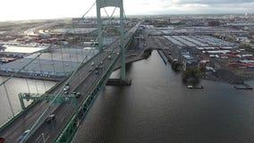 PA aéreo de Walt Whitman Bridge NJ da metragem filme