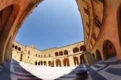 Pałac Uroczystego mistrza podwórze, Rhodes Zdjęcie Stock