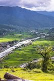 Pa Chhu i ryżu pole Paro dolina, Paro, Bhutan obraz royalty free