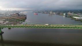 PA de Walt Whitman Bridge Delaware River South Philadelphia de la visión aérea almacen de metraje de vídeo
