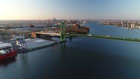 PA di Walt Whitman Bridge Delaware River South Filadelfia di vista aerea stock footage