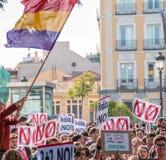 Październik 26, 2016 - ucznie maszeruje przy protestem przeciw edukacj polityka w Madryt, Hiszpania Fotografia Stock