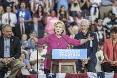 PA: Hillary Clinton Campains samlar n Philadelphia Arkivbild