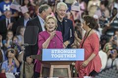 PA: Hillary Clinton Campains samlar n Philadelphia Arkivbilder