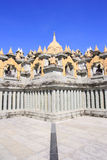 Pa Kung寺庙的砂岩塔在Roi和泰国 有凝思的一个地方 库存图片