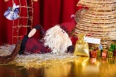 Pa Noel die op Kerstmis wacht Stock Afbeeldingen