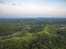 PA PHU KON, templo tailandés de WAT en la montaña en el crepúsculo, Udon T Imagen de archivo libre de regalías