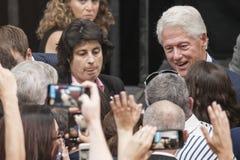 PA: President Bill Clinton för Hillary Clinton i blått Klocka Royaltyfri Fotografi